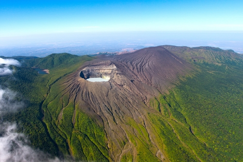 Volcanic paradise in Hotel Hacienda Guachipelin